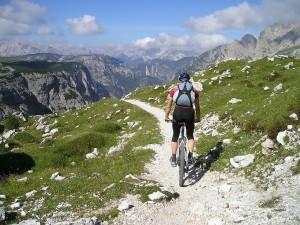 mountain-bike-175216_1280